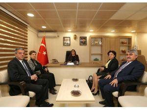 CHP'li Heyet Başkan Fatma Şahin'i Ziyaret Etti
