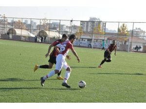 Karaköprü Belediyespor, Elbistanspor'u 7 - 0 Mağlup Etti
