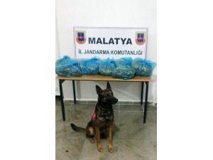 Jandarma'dan Esrar Ve Kaçak Sigara Operasyonları