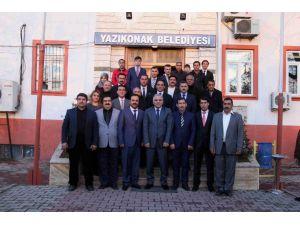 Vali Zorluoğlu, Yazıkonak Belediyesi'ni ziyaret etti