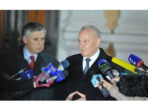 Moldova'da eski başbakanlardan İon Sturza'ya hükumeti kurma görevi verildi