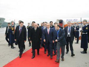 Afganistan Cuhurbaşkanı Azerbaycan'da