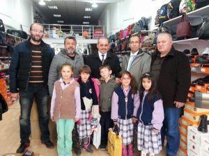 Dinar'da Semerkand Ve Dimçek'ten Öğrencilere Yardım