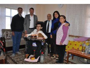 Başkan Turgut'tan Engelli Harun Tınas'a Doğum Günü Sürprizi