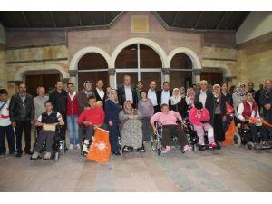 Nevşehir Belediyesi Bedensel Ve Spastik Engellilere 60 Tekerlekli Sandalye Dağıttı