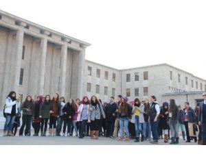 Öğrenciler TBMM'yi Gezdi