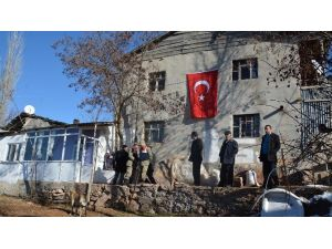 Şehit Jandarma Uzman Çavuş Gündüz'ün Giresun'un Şebinkarahisar İlçesindeki Baba Evinde Yas
