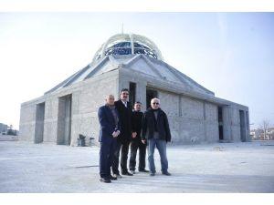 Başkan Çalışkan, Ahmet Yesevi Camisinde İncelemelerde Bulundu