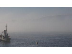 Rus savaş gemisi Caesar Kunikov Çanakkale Boğazı'ndan geçti