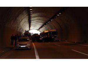Ümraniye'de Şile Yolunda İnanılmaz Kaza: 2 Yaralı