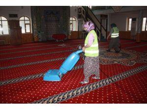 Ereğli'de Camiler Temizlendi