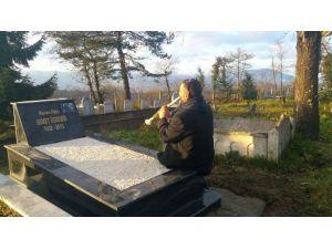 Hüsnü Şenlendirici'den Mezar Başında Klarnet Resitali