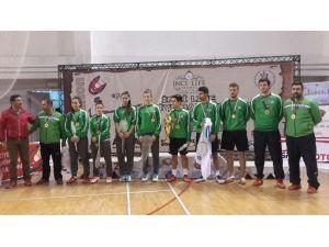 Badmintonda Türkiye Şampiyonu Yıldırım Belediyespor