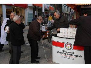 Kırklareli'de 2 Bin Kandil Simidi Dağıtıldı