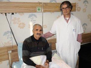 Siroz hastasına çifte müdahale tıp literatürü yolunda