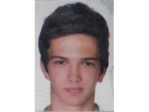 Bıçaklı Saldırıya Uğrayan 17 Yaşındaki Genç Öldü