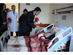 Başkan Bahçeci Kandili Hastanede Hastalarla Geçirdi