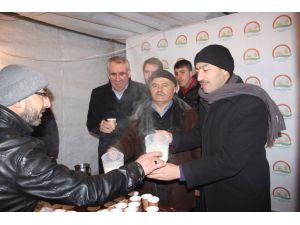 Tarım Müdürlüğü, Mevlit Kandili'nde süt dağıttı