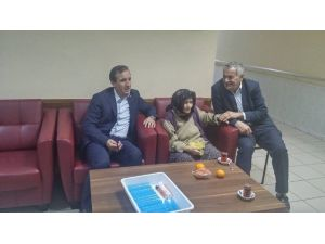 Başkan Uçar, Evi Yanan Şehit Annesi Zefure Bakırcı'yı Huzurevinde Ziyaret Etti