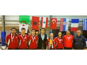 Türk Telekom Badminton Takımı Şampiyon Oldu