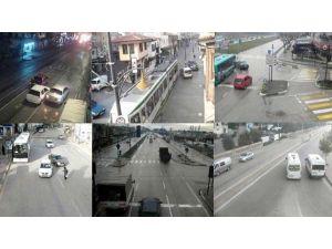 Erzurum'da Trafik Kazaları MOBESE Kameralarına Yansıdı