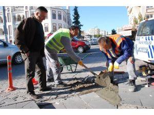 Didim Belediyesi Engelli Rampalarını Düzeltme Çalışmasına Başladı