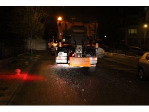 Çankaya'da yollar gece gündüz tuzlanıyor