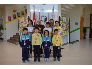 Aydın Özel Başak Koleji Satranç Turnuvasında 4 Birincilik Elde Etti