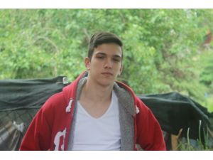 17 Yaşındaki Gencin Katil Zanlısı Yakalandı
