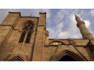 Kıbrıs'ta Mevlit Kandili her yıl resmi tatil