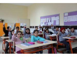 Avanos Belediyesi Öğrencilere Diş Sağlığı Seti Dağıttı