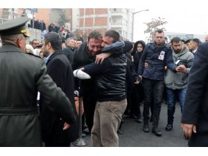 5 aylık asker, izin alıp şehit kardeşi Eren Kılıç'ın cenazesine katıldı
