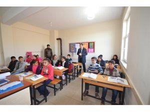 Batman Valisi, Danalı Köyü Ortaokulu'nu Ziyaret Etti
