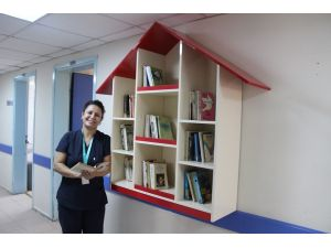 Çanakkale'de kamu hastanelerine kitaplık yapıldı