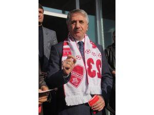 Belediye Başkanı Yanılmaz, Elazığspor'a Destek Kampanyası Başlattı