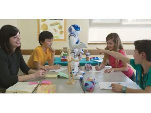 Göçmen çocuklar Almancayı Nao'dan öğrenecek