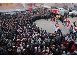 Şehit Ünaldı'yı Köyünde Son Yolculuğuna Binlerce Kişi Uğurladı