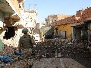 PKK operasyonunda yaralanan 2 asker şehit oldu