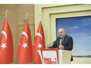 """Koç: """"Hiçbir CHP'li Bir Devlet Yetkilisiyle Akçeli İlişkiler Kurmaz"""""""