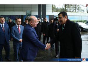 Gümrük Bakanı Tüfenkçi Batum'u ziyaret etti