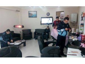 Bilecik Belediyesi Zabıta Müdürlüğü'nden Kuaför Denetimi