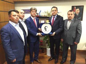 Acıgöl Belediye Başkanı Ertaş Milletvekili Gizligider'i Ziyaret Etti