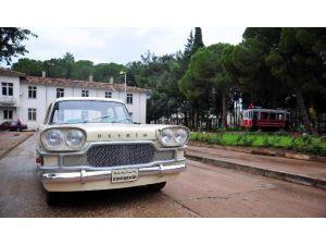 İlk Milli Otomobil 'Devrim', Dokuma Sokaklarında