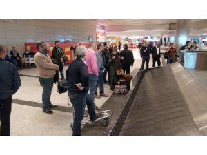 Kaza yapan uçağın yolcuları: Hidrolik arızası olduğu söylendi
