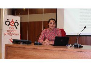 'Etkili Ve Yetkin Ebeveynlik' Semineri Düzenlendi
