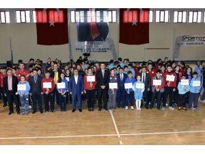 Anadolu Yıldızlar Ligi Hentbol Grup Müsabakaları Gümüşhane'de Başladı