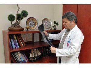 Parkinson Hastaları Beyin Pili İle Şifa Buluyor