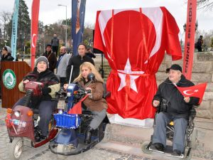 Engelliler için kurulan şarj istasyonunun fişini söktüler