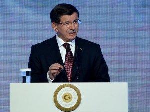 Başbakan Davutoğlu: HDP Eş Genel Başkanı'nın Rusya'daki sözleri tam bir rezalet tam bir ihanettir
