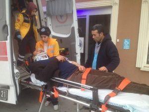Otomobil Beton Mikserine Çarptı: 1 Yaralı